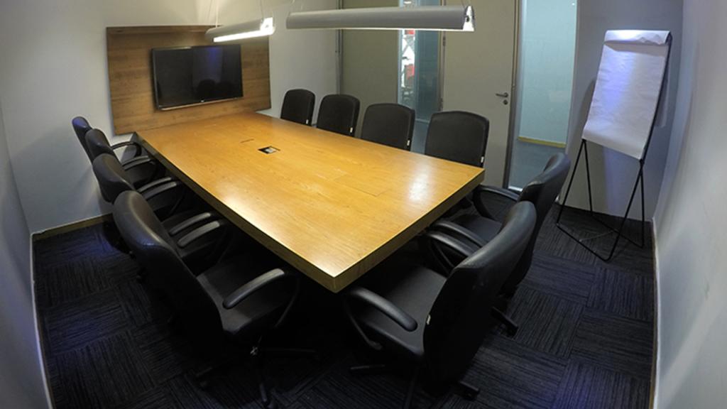 📉 Sala de reunião: o ambiente que você recebe seus clientes e futuros parceiros pode ser decisivo no fechamento de bons negócios.